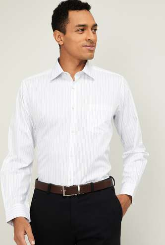 VAN HEUSEN Men Striped Regular Fit Formal Shirt