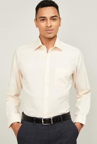 VAN HEUSEN Men Solid Regular Fit Formal Shirt