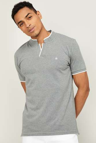 UNITED COLORS OF BENETTON Men Solid Johnny Collar T-shirt