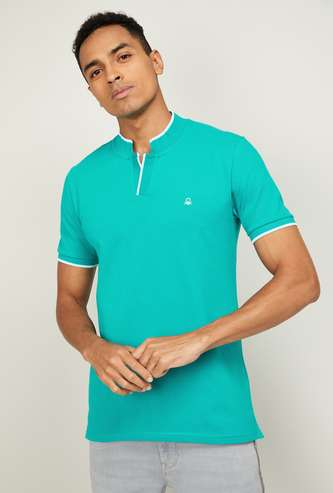 UNITED COLORS OF BENETTON Men Solid Slim Fit Johnny Collar T-shirt