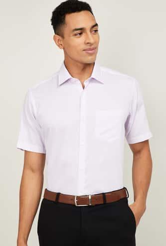 VAN HEUSEN Men Checked Short Sleeves Formal Shirt