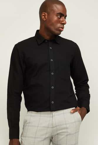 COLORPLUS Men Solid Slim Fit Casual Shirt