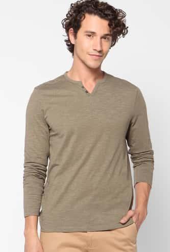 CELIO Men Solid Slim Fit Henley T-shirt