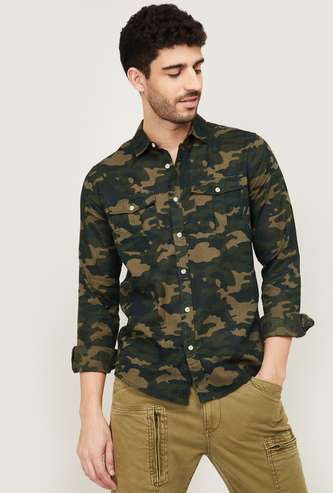 FORCA Men Camouflage Printed Slim Fit Casual Shirt