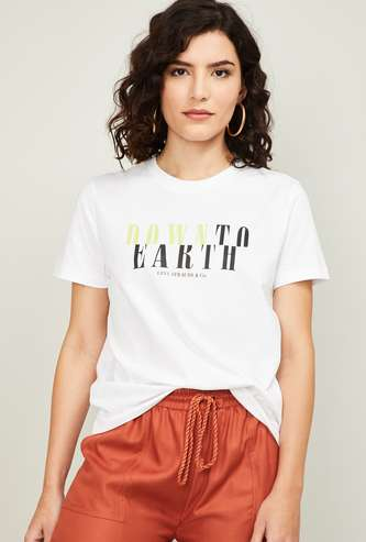 LEVI'S Women Typographic Print Round Neck T-shirt