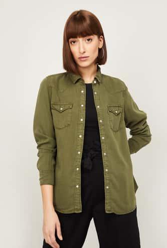 LEVI'S Women Solid Full Sleeves Regular Fit Denim Shirt