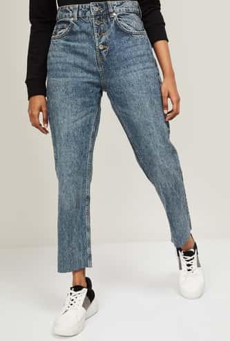 FAME FOREVER Women Stonewashed Regular Fit Jeans