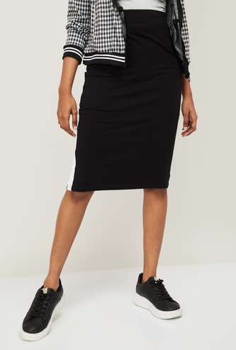 FAME FOREVER Women Solid Pencil Skirt with Tape Detail