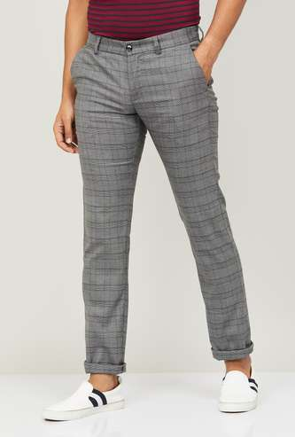 ALLEN SOLLY Men Checked Flat Front Casual Trousers