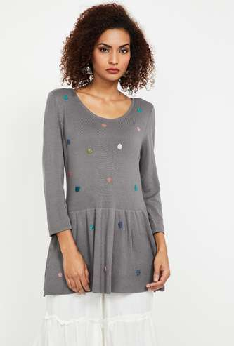 MELANGE Embroidered Knitted Top