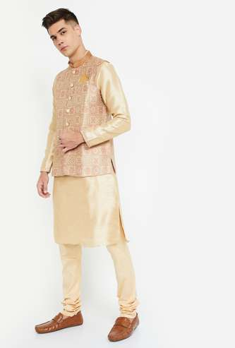 MANYAVAR Solid Kurta with Printed Jacket and Churidar