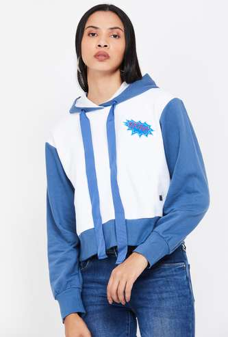 CAMPUS SUTRA Colourblock Full Sleeves Hooded Sweatshirt