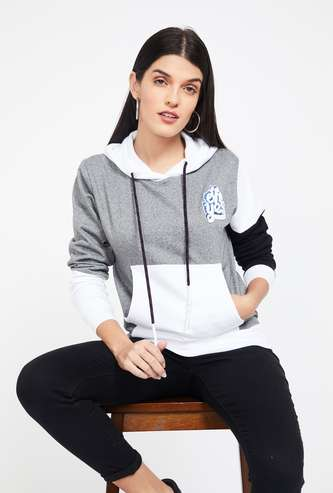 CAMPUS SUTRA Colourblocked Hooded Sweatshirt