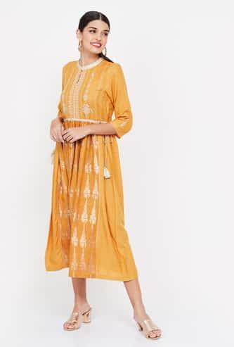 W Foil Print Three-quarter Sleeves Midi Dress