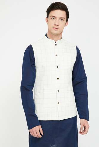 MELANGE Checked Buttoned Front Regular Fit Waistcoat