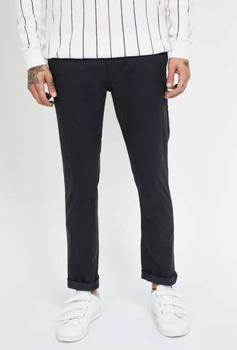 FAME FOREVER Solid Stretch Slim Tapered Chinos
