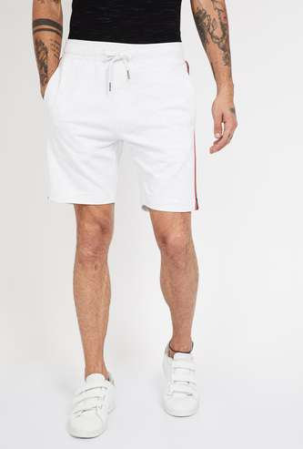 FAME FOREVER Tape Detailed Regular Fit Shorts