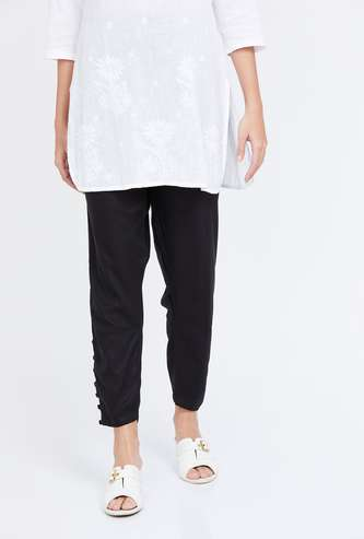 BIBA Solid Woven Narrow Fit Pants