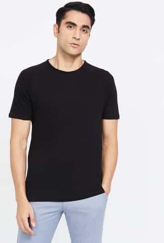 FAME FOREVER Textured Regular Fit Crew-Neck T-shirt
