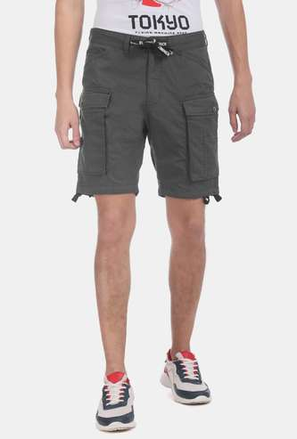 FLYING MACHINE Solid Slim Fit Cargo Shorts