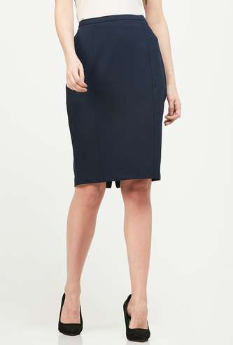 VAN HEUSEN Solid Panelled Pencil Skirt