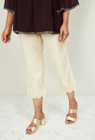 MELANGE Women Solid Cropped Straight Pants with Scalloped Hem