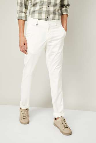 V DOT Men Solid Skinny Chinos
