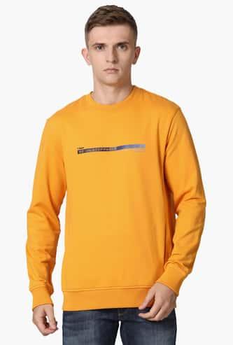 T-BASE Men Printed Crew Neck Sweatshirt