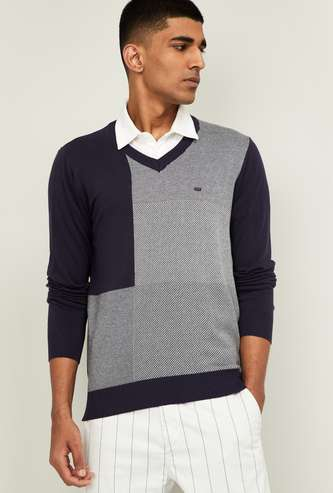 BLACKBERRYS CASAUL Men Patterned V-neck Sweater