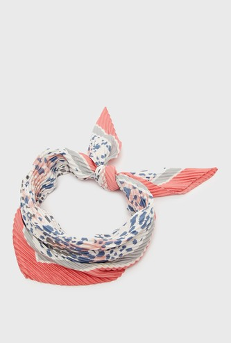 Printed Textured Scarf with Knot Detail