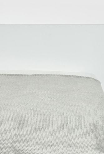 بطّانية خفيفة بارزة الملمس شيفرون- 152x127 سم