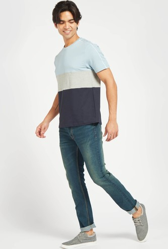 Slim Fit Full Length Solid Mid-Rise Jeans with 5-Pockets