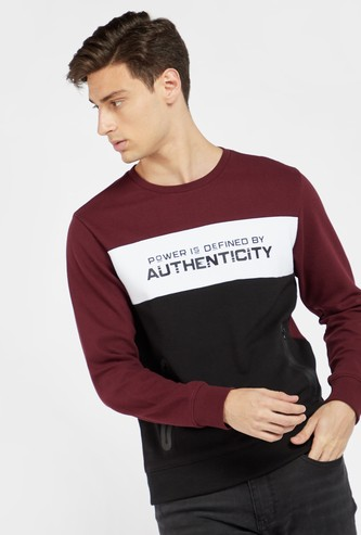 Slogan Print Round Neck Sweatshirt with Long Sleeves and Pockets