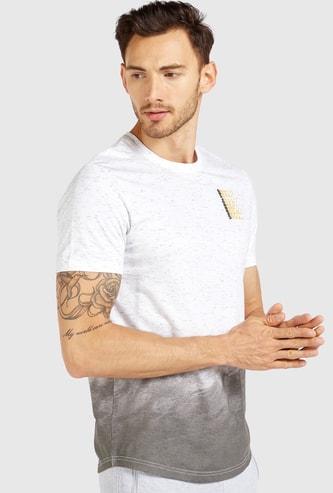 Slim Fit Gradient Graphic Print T-shirt with Crew Neck