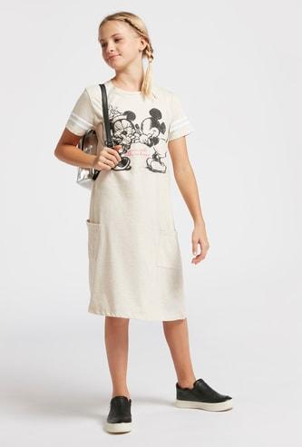فستان بأكمام قصيرة وجيوب وطبعات ميكي وميني ماوس