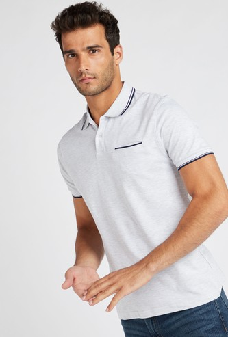 Solid Polo T-shirt with Short Sleeves and Piping Detail