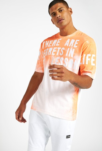 Slim Fit Text Print Ombre Dyed T-shirt with Crew Neck
