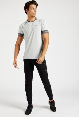 Text Print T-shirt with Round Neck and Raglan Sleeves