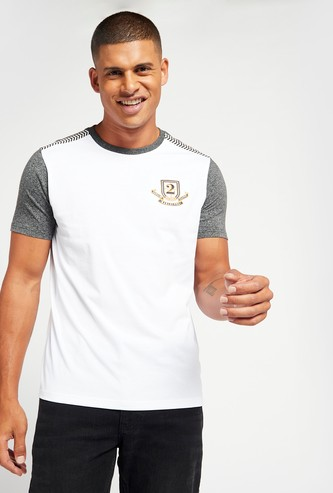 Embroidered Arab T-shirt with Short Sleeves and Round Neck