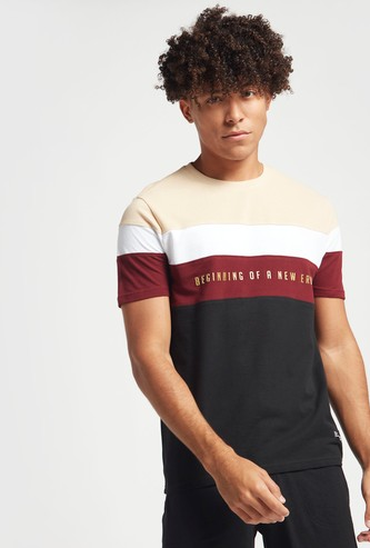 Printed Colourblock T-shirt with Crew Neck and Short Sleeves