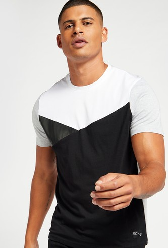 Colourblock Cut and Sew T-shirt with Crew Neck