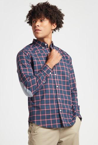 قميص مربعات بأكمام طويلة ورقعة على المرفق