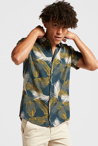 All-Over Printed Hip Length Shirt with Short Sleeves