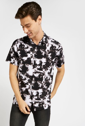 Slim Fit Tie-Dye Print Shirt with Short Sleeves and Spread Collar