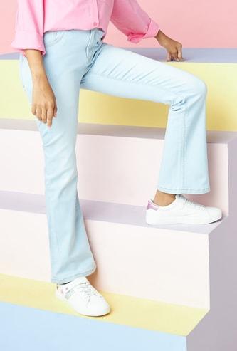 بنطلون جينز سادة طويل بتفاصيل جيوب وزر إغلاق