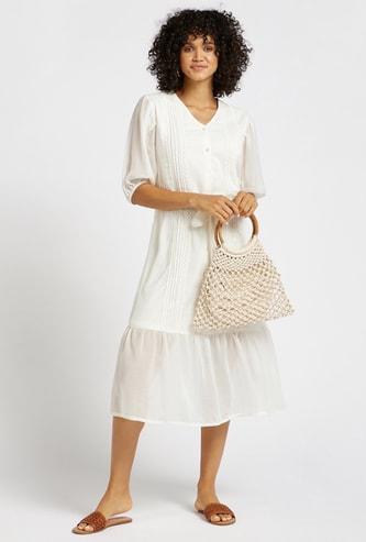 فستان سادة ميدي متعدد الطبقات بتفاصيل دانتيل وحزام ربط