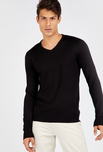 Solid Sweater with V-Neck and Long Sleeves