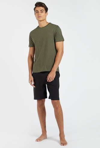Polka Dot Printed Round Neck T-shirt with Solid Shorts