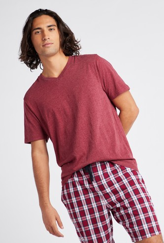 Solid T-shirt with V-neck and Short Sleeves