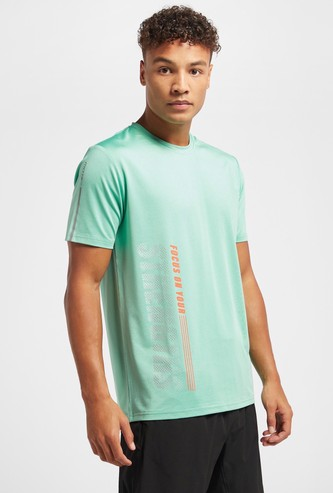 Slogan Print T-shirt with Crew Neck and Short Sleeves